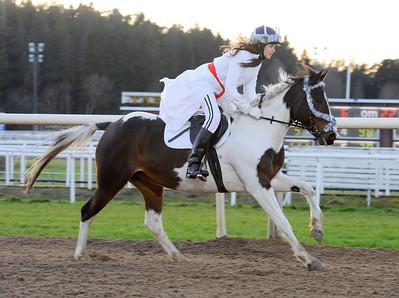 Ponnygaloppens luciatåg   Täby Galopp 111211   Foto: Stefan Olsson / Svensk Galopp