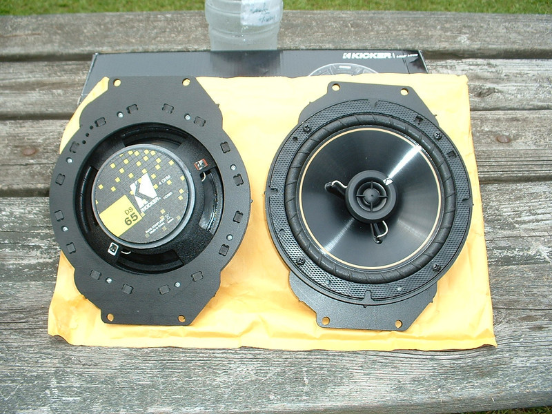 """Aftermarket speakers and speaker adapters  from  <a href=""""http://www.car-speaker-adapters.com/items.php?id=SAK055""""> Car-Speaker-Adapters.com</a>  <br> Left: rear side <br> Right: front side"""