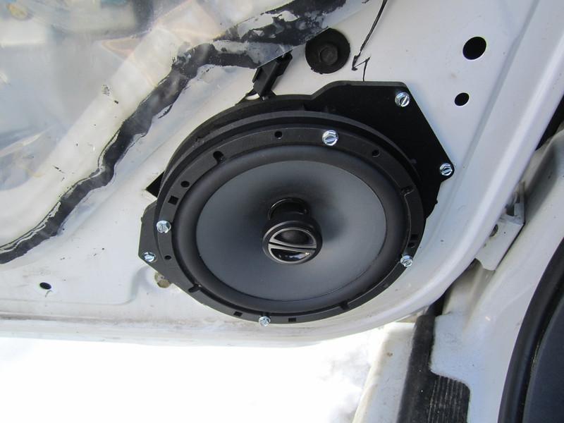 "Driver side - Aftermarket speaker and speaker adapter bracket  from  <a href=""http://www.car-speaker-adapters.com/items.php?id=SAK055""> Car-Speaker-Adapters.com</a>  installed"