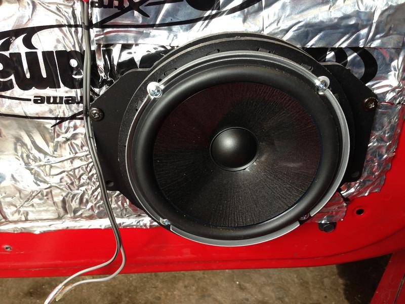"Aftermarket speaker and speaker adapter bracket    from  <a href=""http://www.car-speaker-adapters.com/items.php?id=SAK055""> Car-Speaker-Adapters.com</a>   installed on door"