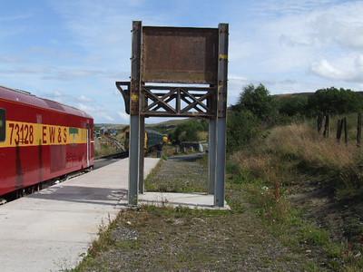 Part of Footbridge erected on Platform No.2 - on 25.07.09.
