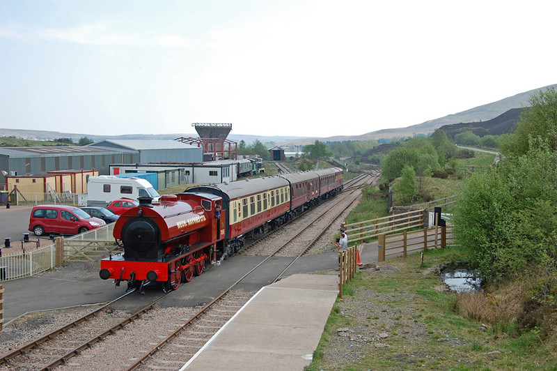 The train arrives at Furnace Sidings