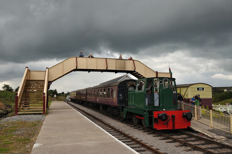 The Hudswell about to work it's first passenger train since being fitted with the vacuum braking system.