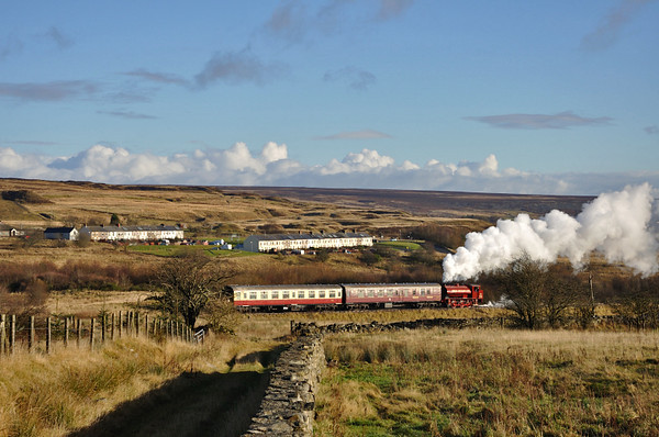 nearing the Whistle Inn, the train mimics the line of the terraces at Garn-yr-Erw