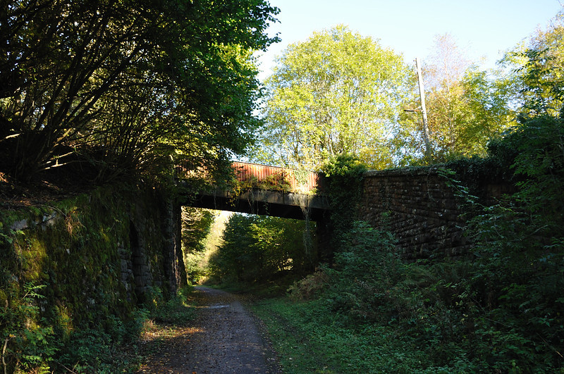 looking north to the foot bridge, the station is just round the corner