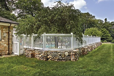 177 - 432479 - Redding CT - Custom Yorktown Picket Fence