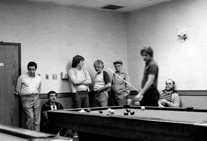 Earl Strickland in a money match in the back room. Jerry Yeagle and Pete Zehnder are onlookers.