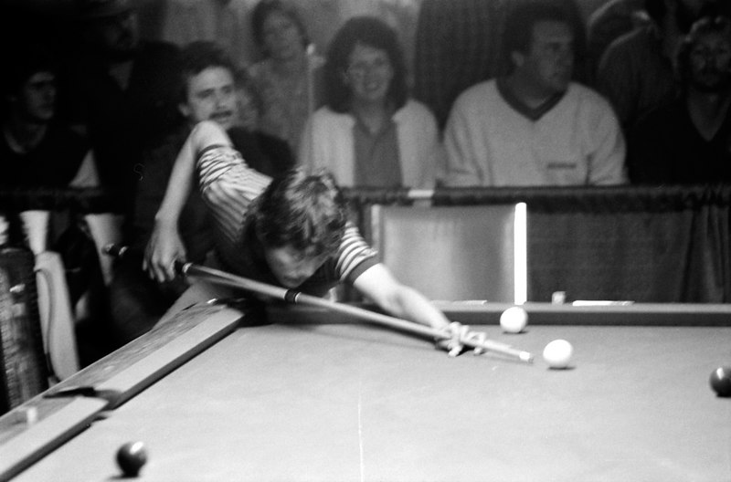 Efren Reyes - Danny Diliberto just above Efren's elbow.