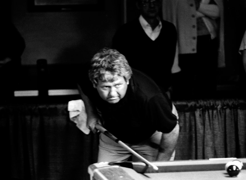 Ronnie Allen - the way he is standing there with his cue in one hand reminds me that he was one of the greatest one-handed or jacked up players ever.