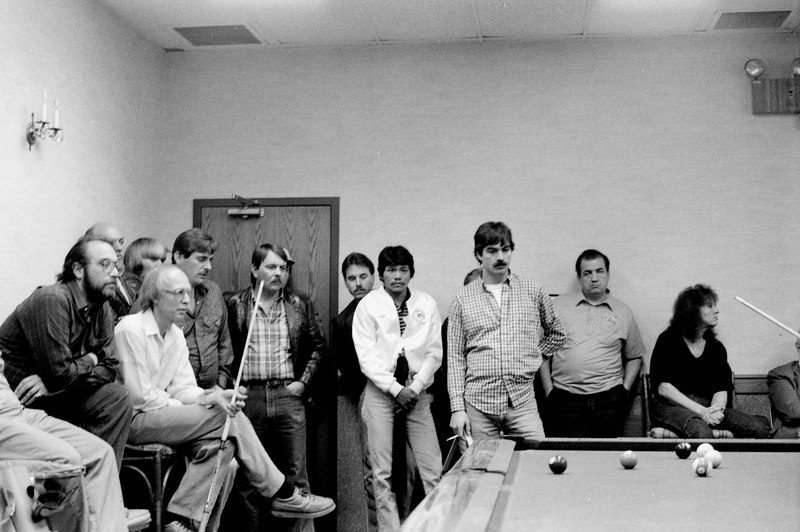 Freddie Bentivegna and Grady Mathews on the left, Efren Reyes in the white jacket, Jimmy Zehnder just to the right of Efren and Mike Lebron just to the right of Jimmy.