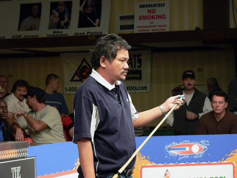 Efren Reyes looks like he might be able to use a hair stylist?