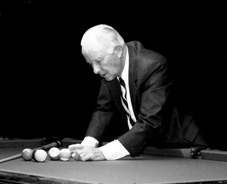 Mosconi against darkened background. Mike Haines loves these kind of pics!