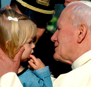 Pope with Child, Newark 1995