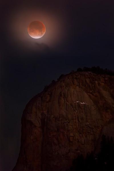 Lunar Eclipse over Lionshead