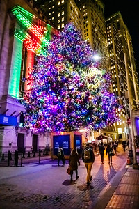 Holiday Night on Wall St