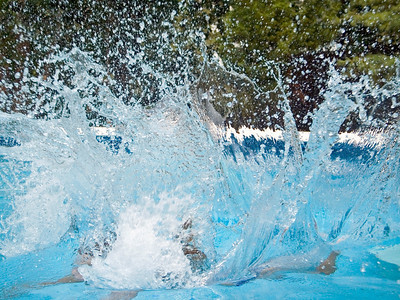 A stop-action detailed splash photograph.