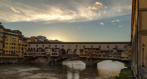Ponte Vecchio and Arno River - Firenze