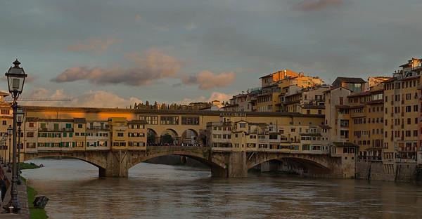Ponte Vecchio (Arno River) - Firenze