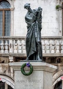 Statue of Mario Marulic