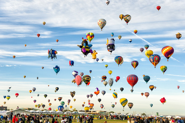 A sky full of balloons!
