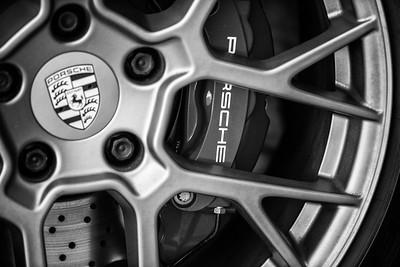 Porsche 2020 810-3-2bw