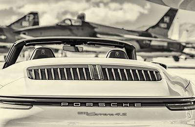 Porsche 2020-145-bw