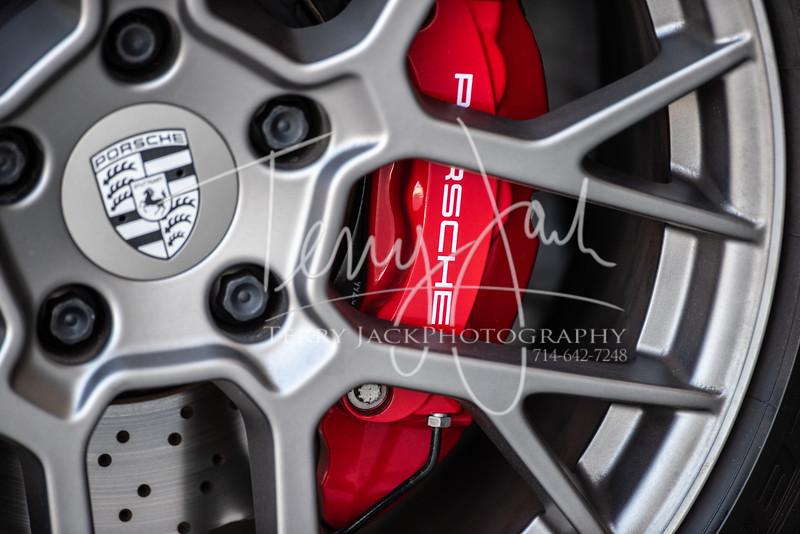 Porsche 2020 810-3-2