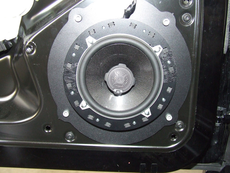 "Aftermarket speaker and  speaker adapter bracket   from  <a href=""http://www.car-speaker-adapters.com/items.php?id=SAK066""> Car-Speaker-Adapters.com</a>   installed on door"