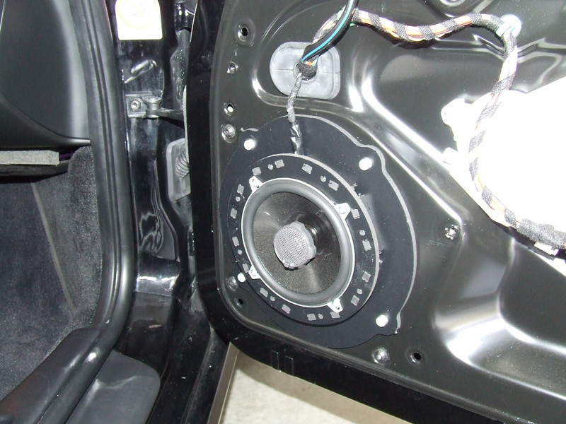"Aftermarket speaker and  speaker adapter bracket   from  <a href=""http://www.car-speaker-adapters.com/items.php?id=SAK066""> Car-Speaker-Adapters.com</a>   installed on door"