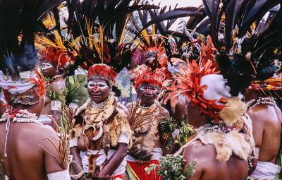 Astrapia Women, Hagen Show, Papua New Guinea, 2003