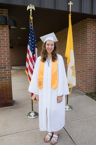 Everest Grad 2019 Ilze Lucero Photo (117)