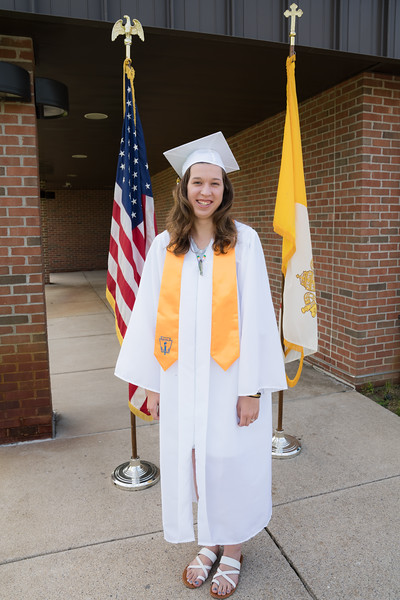 Everest Grad 2019 Ilze Lucero Photo (116)