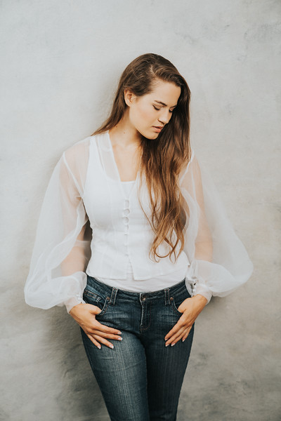 Shannon (24)