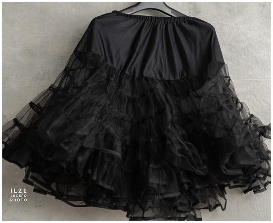 Black (22)