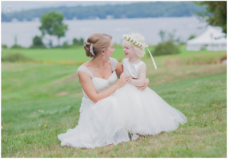 How adorable is the flower girl.