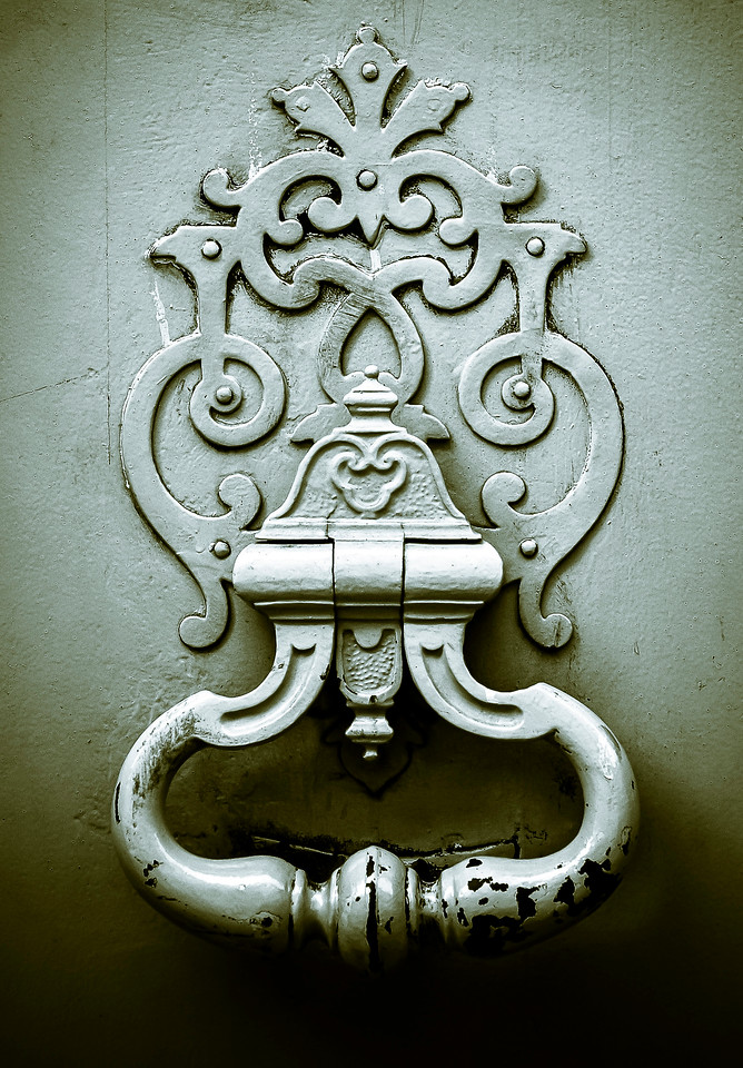 "<center><h2>'A Door Knocker'</h2> Upper Slaughter, Cotswolds, United Kingdom  Matted 16""x20"", on Luster Photo paper (12 mil) © René Gallet</center>"