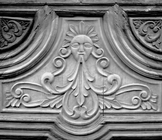 <center><h2>'Door Carving'</h2>Canyon Road, Santa Fe, NM</center>
