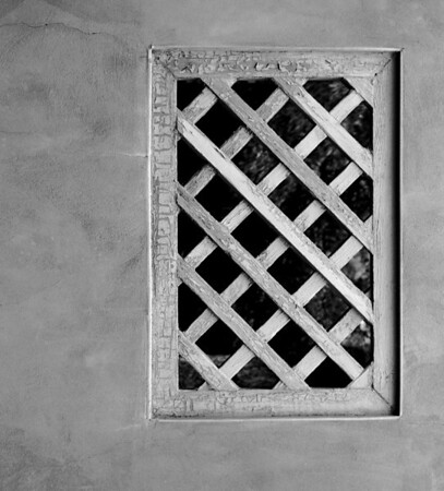 <center><h2>'Courtyard Window Grill' </h2>Grants, NM<center>
