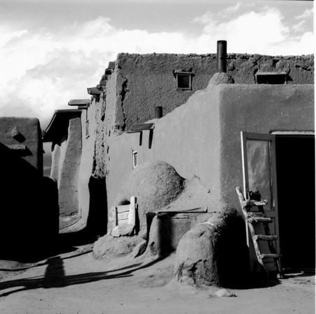 <center><h2>Taos Pueblo -006</h2>Taos Pueblo, NM</center>