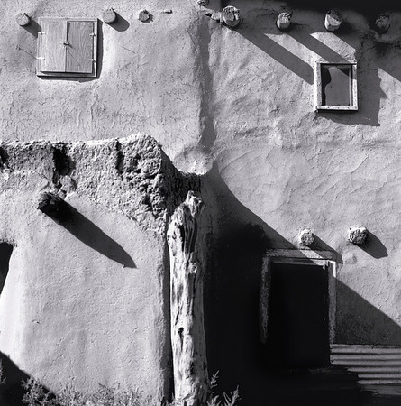 <center><h2>Taos Pueblo -007</h2>Taos Pueblo, NM</center>