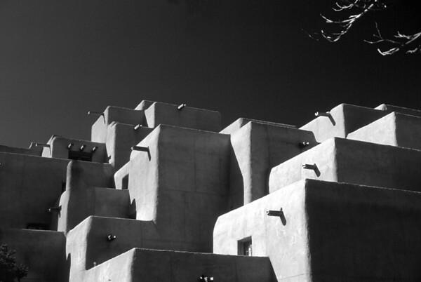<center><h2>'Dramatic Roof Lines' </h2> Santa Fe, NM</center>