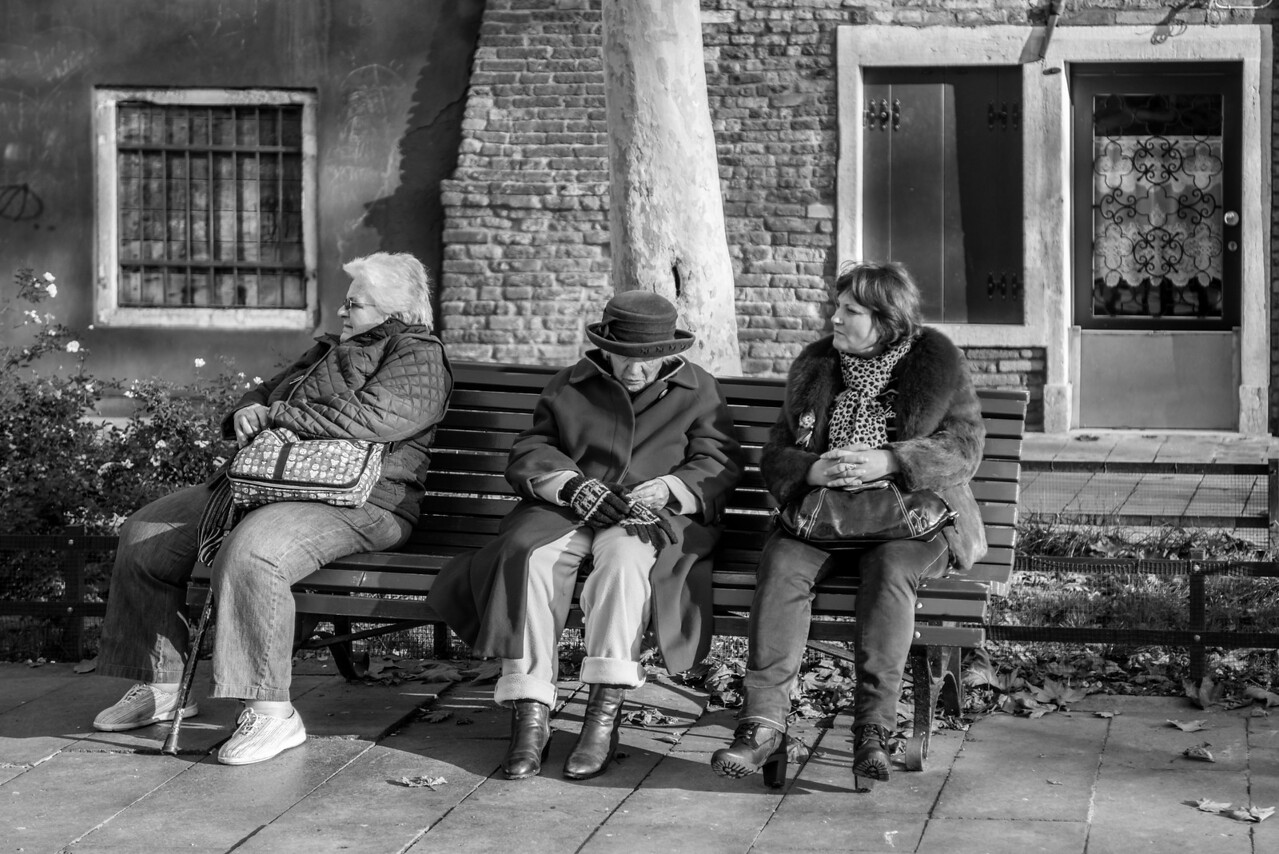 VeniceThree Bench Ladies