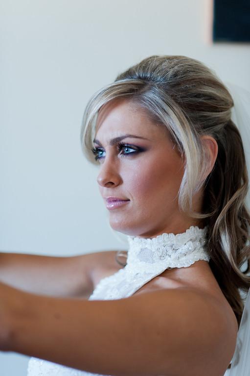 Brides make up MUA