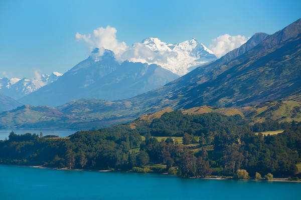 Lake Wakatipu and mountains, Queenstown.