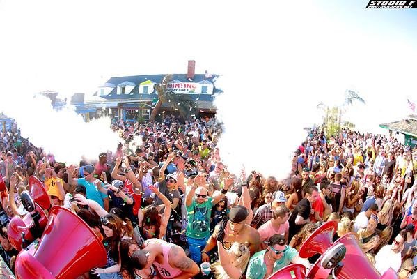 Neptunes Beach Club