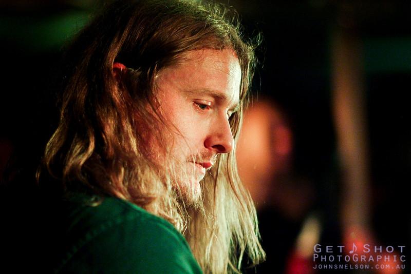 Ryan Van Gennip - Chase The Sun