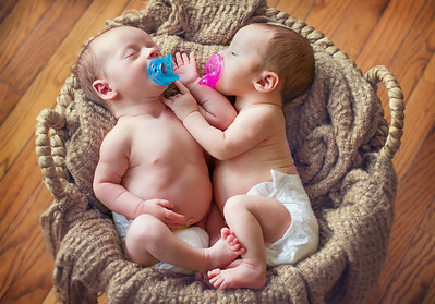 Newborn twin shoot