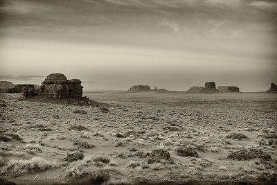 Eve of the Ancient... Dusk - Mystery Valley eastward to Monument Valley, Arizona side.