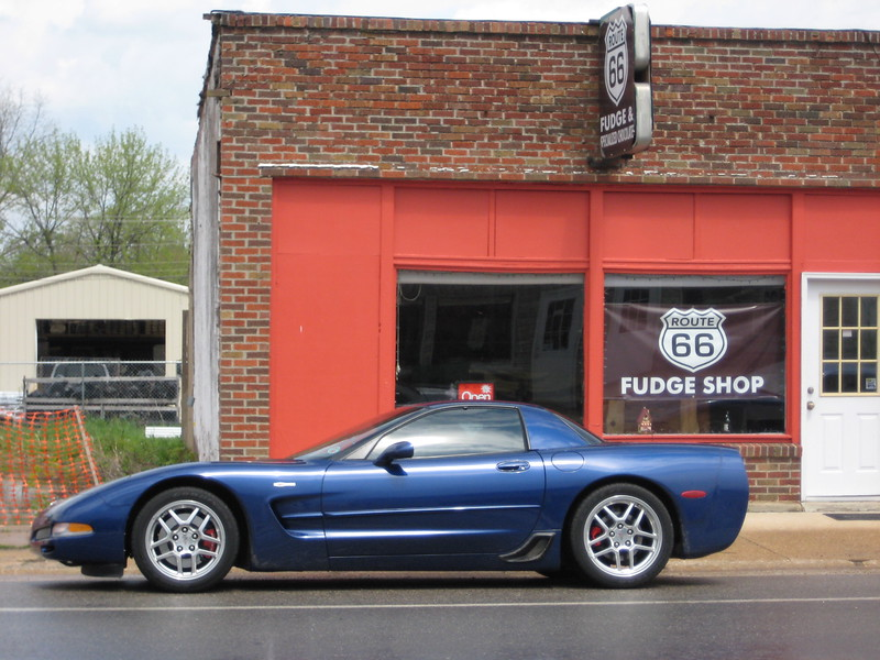 Cuba, Missouri - Route 66 - Reds Z06 - '04 Commemorative Edition Z06