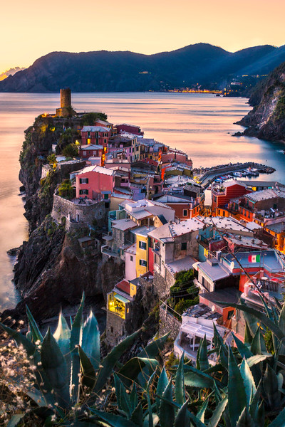 Vernazza Aglow...